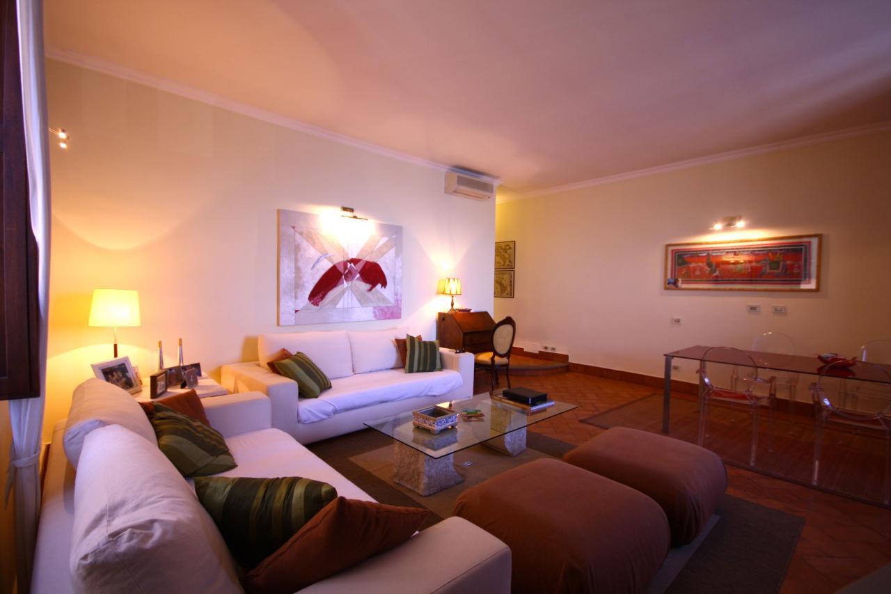 Appartamento in vendita a Orbetello, 5 locali, zona Località: Centrostorico, prezzo € 350.000   Cambio Casa.it