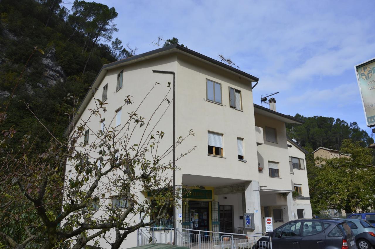 Appartamento in vendita a Scheggino, 5 locali, zona Località: Scheggino-Centro, prezzo € 89.000 | Cambio Casa.it