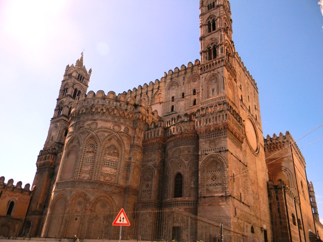 Bilocale Palermo Via Dell'incoronazione 2