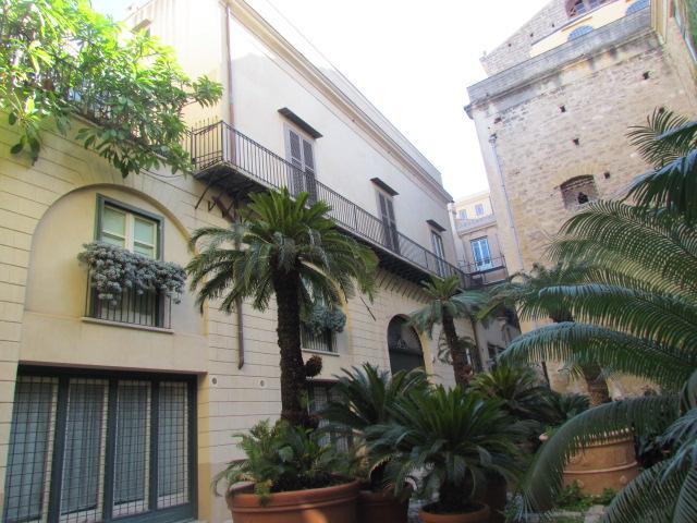 Bilocale Palermo Via Dell'incoronazione 6