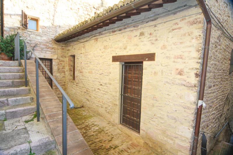 Bilocale Assisi Via Capobove 2