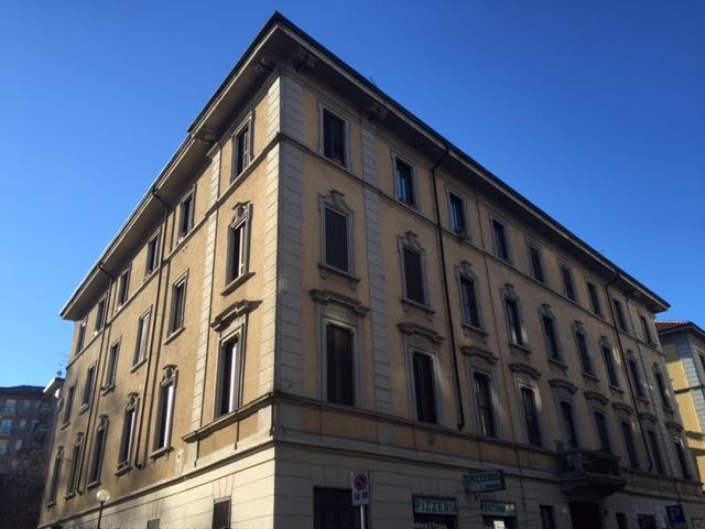 Bilocale Milano Via Savona 1