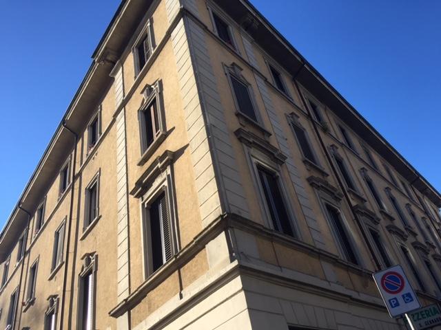 Bilocale Milano Via Savona 2