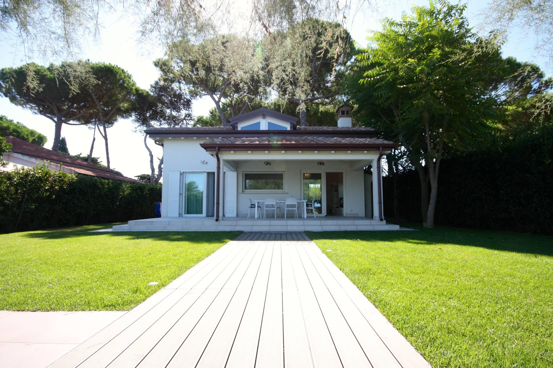 Villa in vendita a Orbetello, 4 locali, zona Zona: Giannella, prezzo € 1.200.000 | Cambio Casa.it
