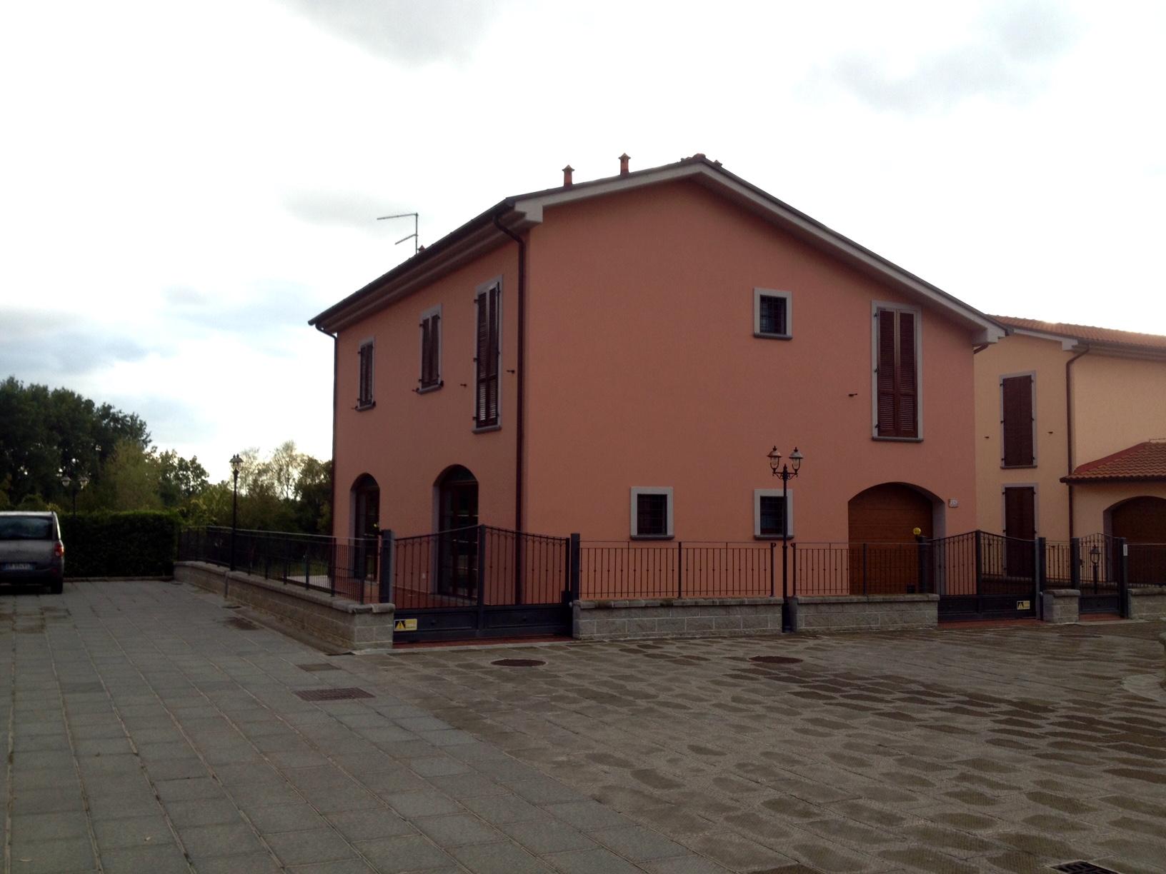 Villa in vendita a Castiglion Fiorentino, 11 locali, prezzo € 375.000 | Cambio Casa.it