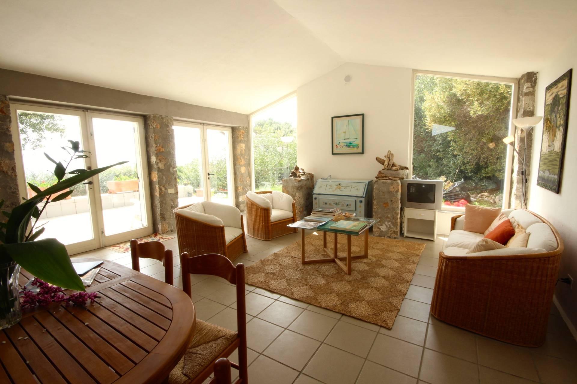 Villa in vendita a Orbetello, 8 locali, zona Zona: Ansedonia, prezzo € 1.300.000 | Cambio Casa.it
