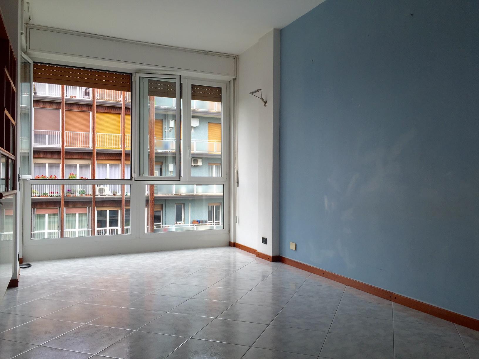 Bilocale Milano Via Delle Azalee 7