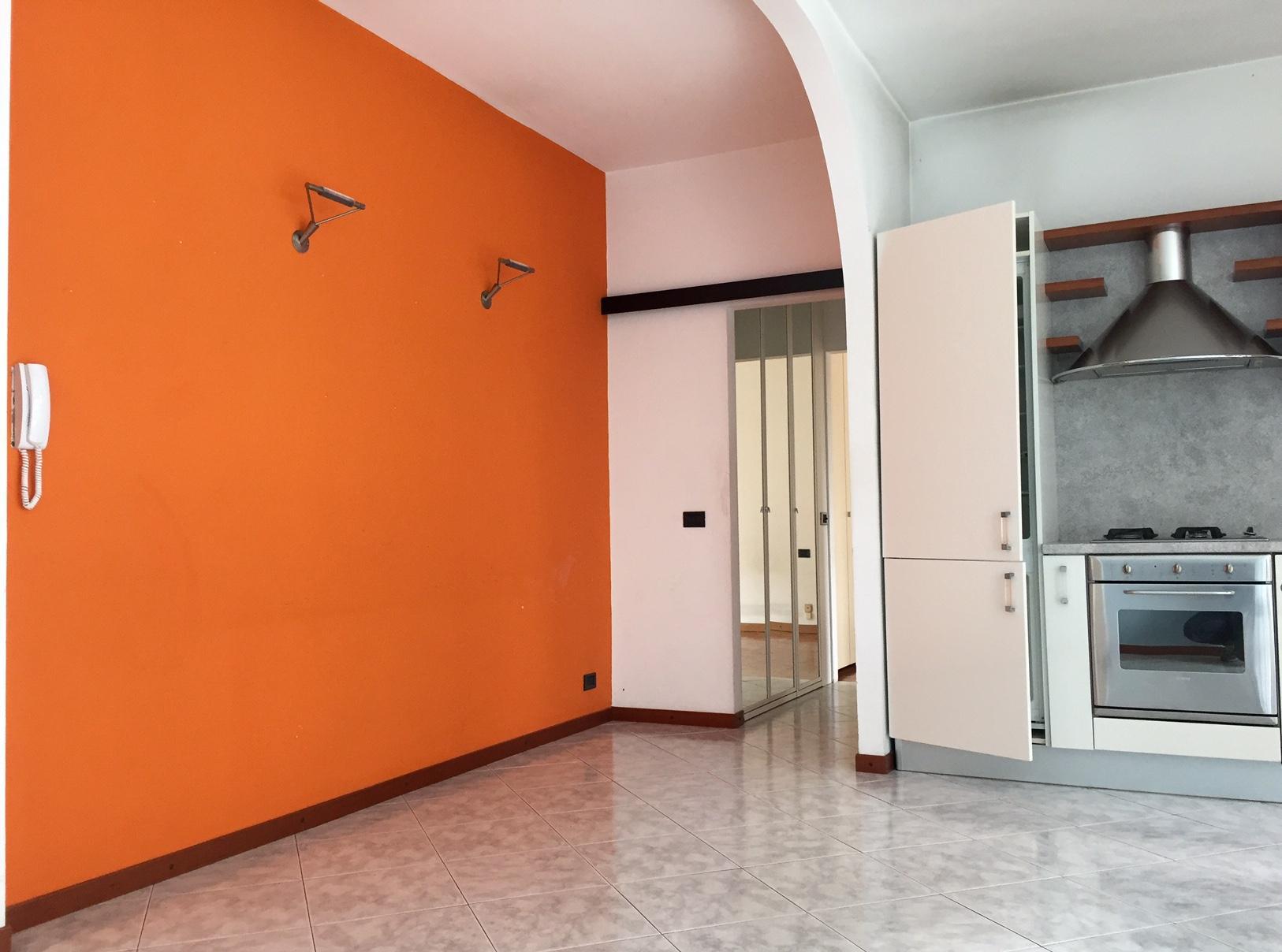 Bilocale Milano Via Delle Azalee 6