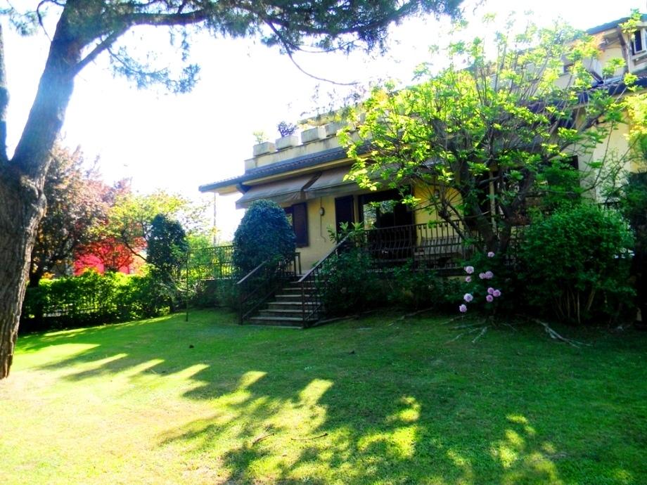 Villa in vendita a Nerviano, 13 locali, prezzo € 980.000   Cambio Casa.it