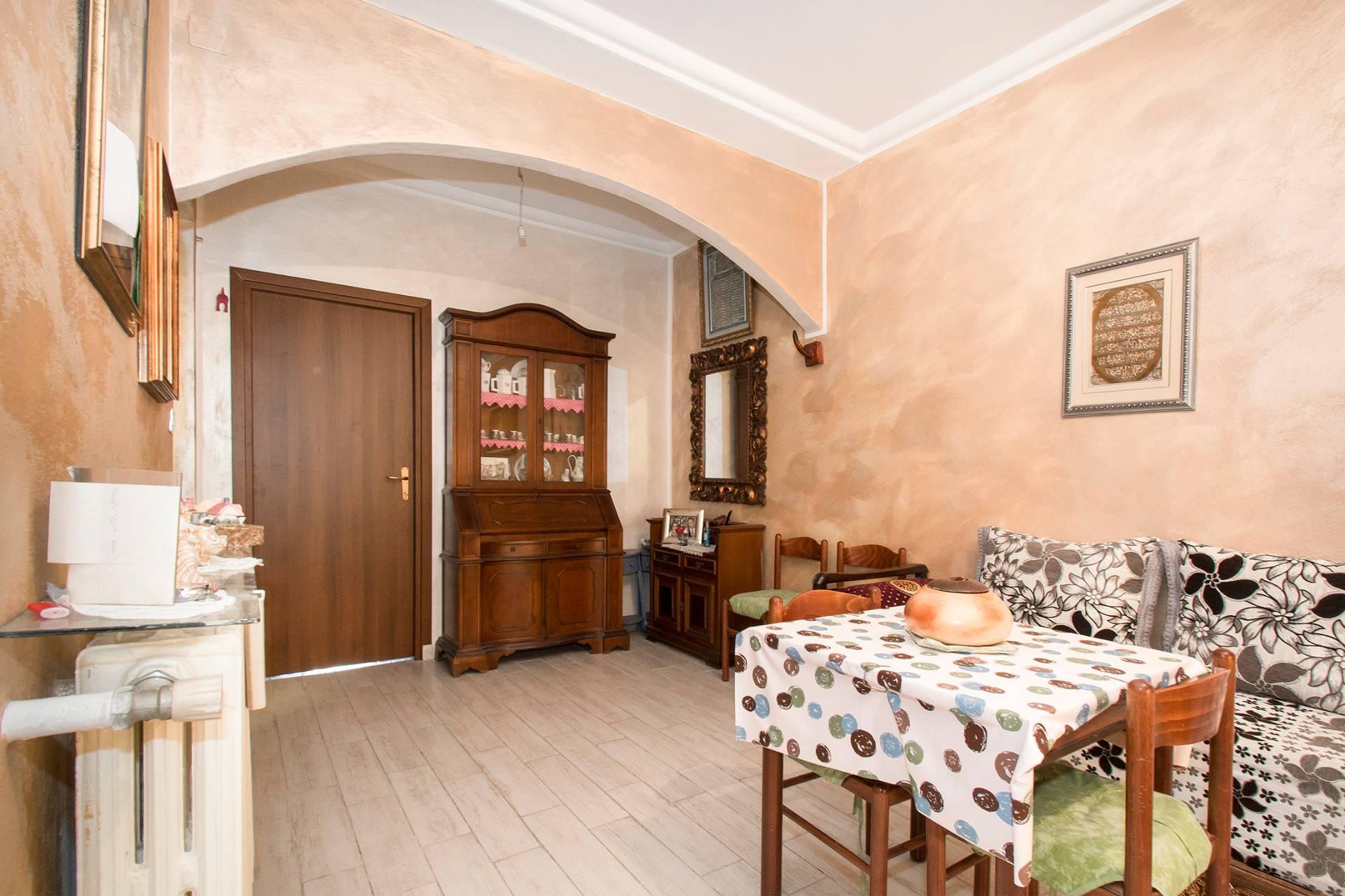 Bilocale Torino Via Chisola, To 9