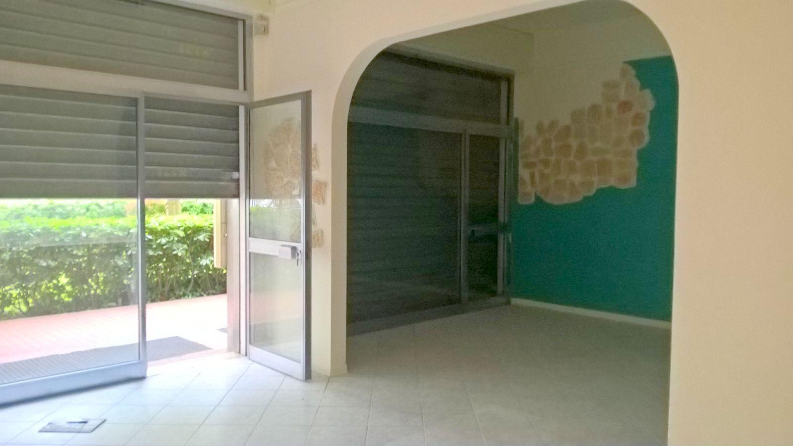 Negozio / Locale in vendita a Riccione, 9999 locali, zona Località: ABISSINIA, prezzo € 145.000 | CambioCasa.it