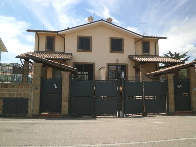Soluzione Semindipendente in vendita a Civita Castellana, 6 locali, prezzo € 200.000 | Cambio Casa.it