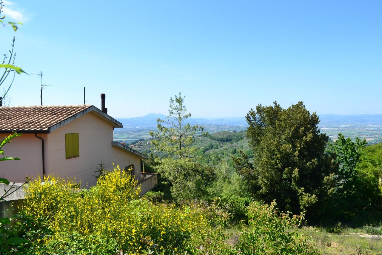 Soluzione Indipendente in vendita a Bettona, 10 locali, prezzo € 165.000 | Cambio Casa.it