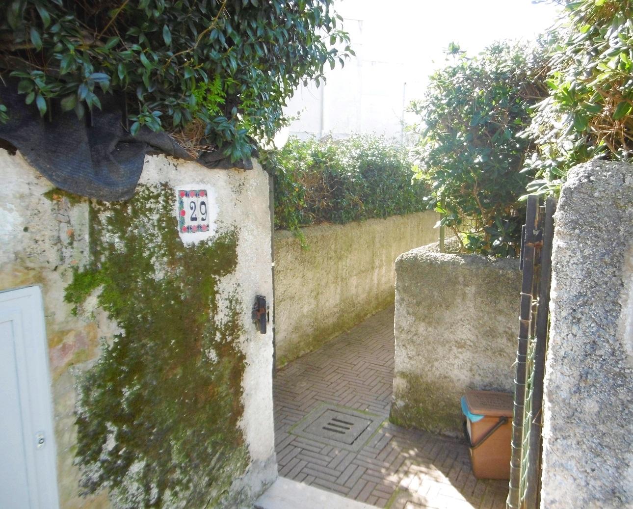 Bilocale Ardea Via Arno 3