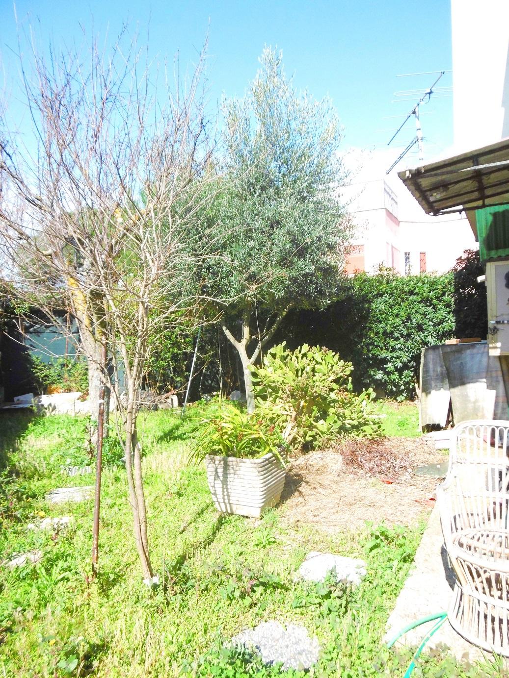 Bilocale Ardea Via Arno 8
