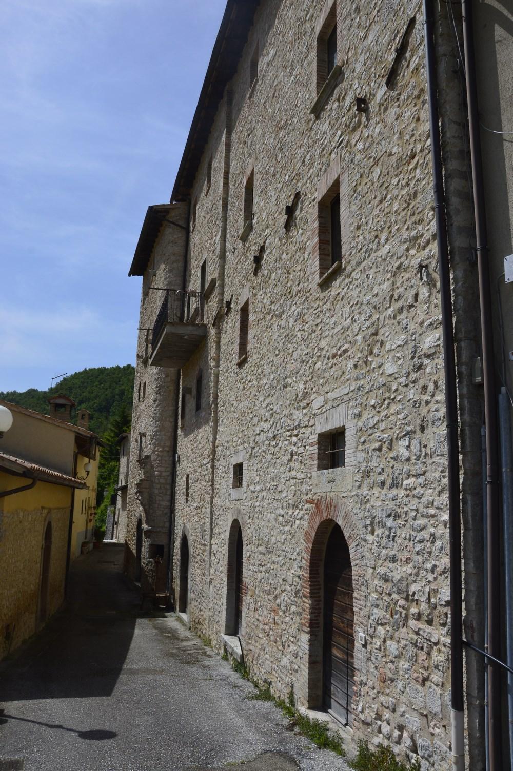 Appartamento in vendita a Preci, 5 locali, prezzo € 49.000 | Cambio Casa.it