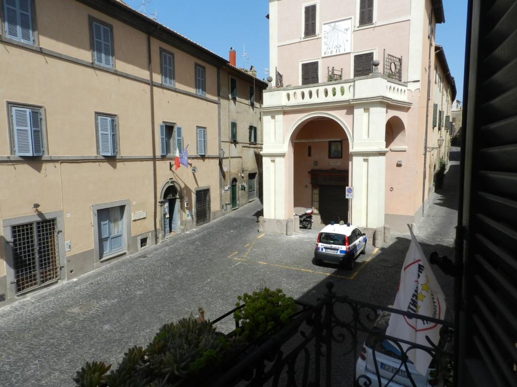 Appartamento in vendita a Tuscania, 3 locali, zona Località: centrostorico, prezzo € 70.000 | CambioCasa.it
