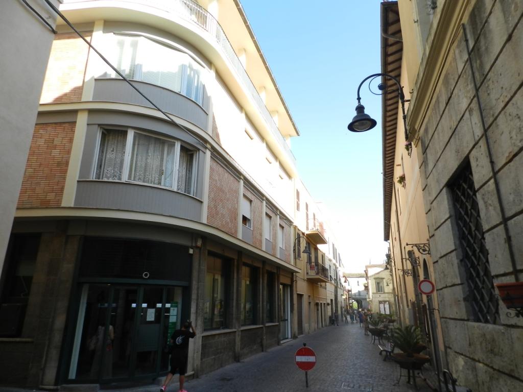 Appartamento in vendita a Tarquinia, 4 locali, zona Località: CentroStorico, prezzo € 118.000   CambioCasa.it