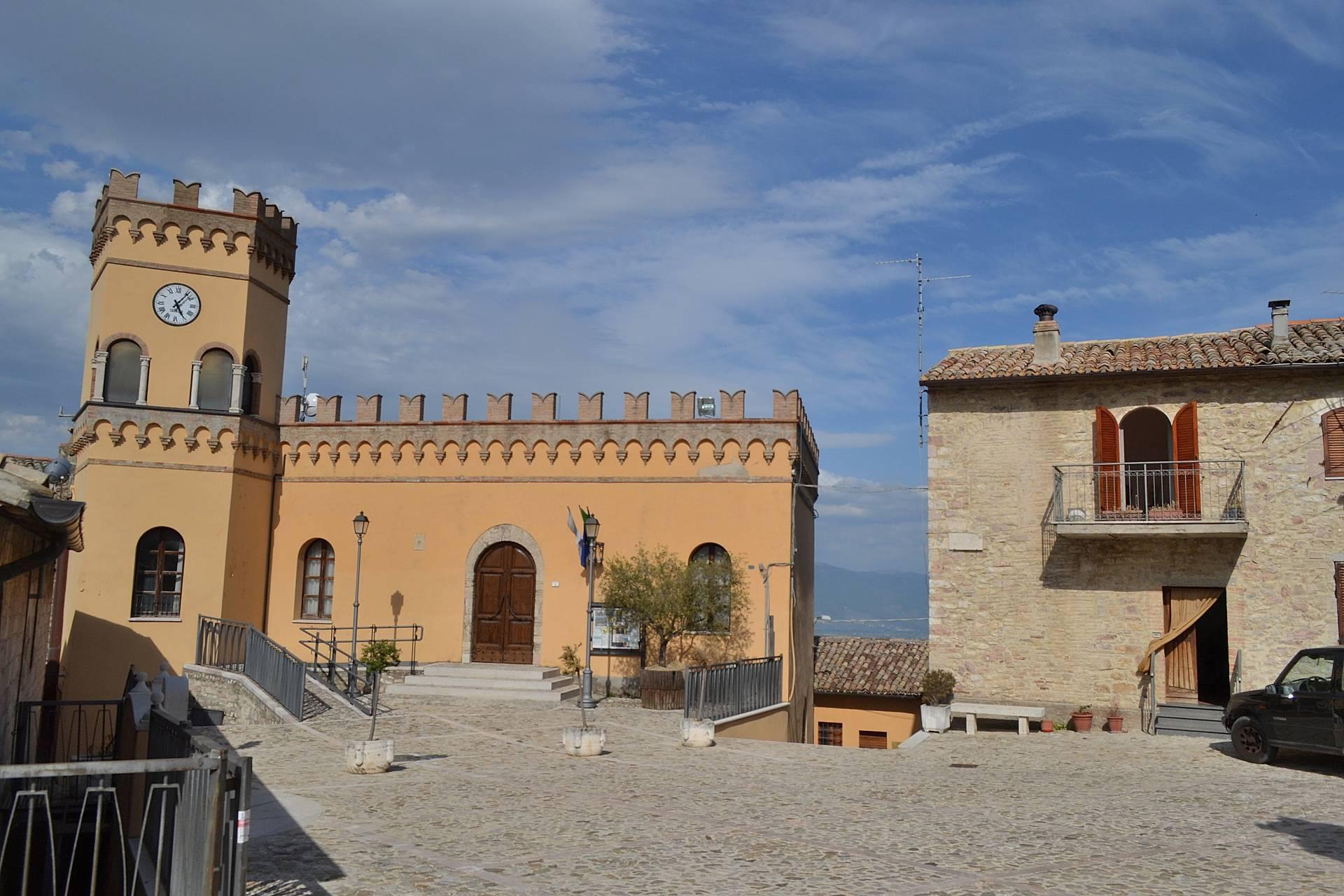 Altro in vendita a Giano dell'Umbria, 5 locali, prezzo € 105.000 | Cambio Casa.it