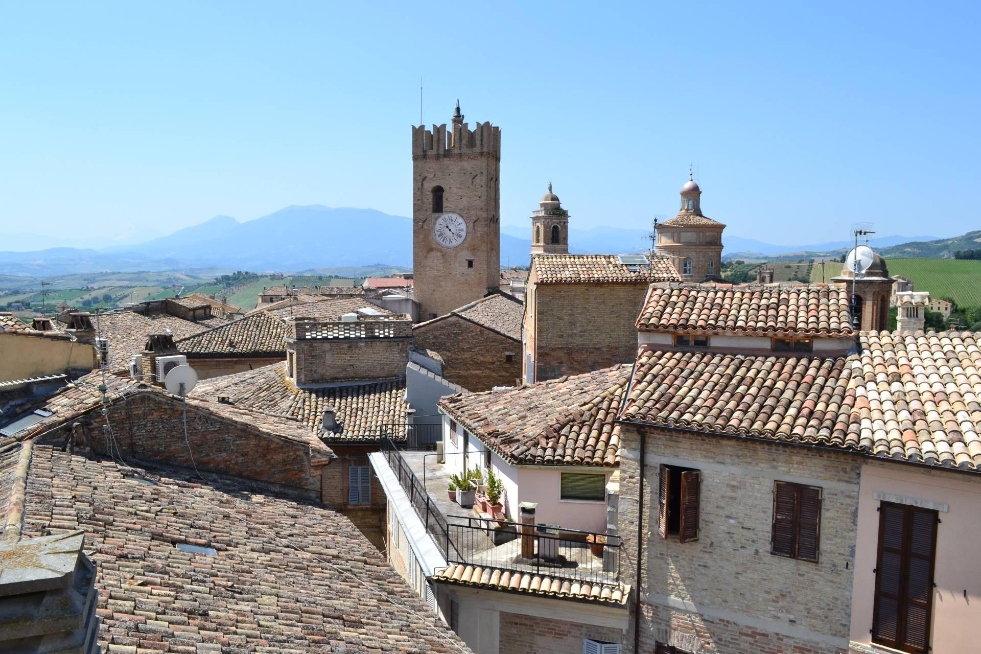 Palazzo / Stabile in vendita a Offida, 5 locali, prezzo € 65.000 | Cambio Casa.it