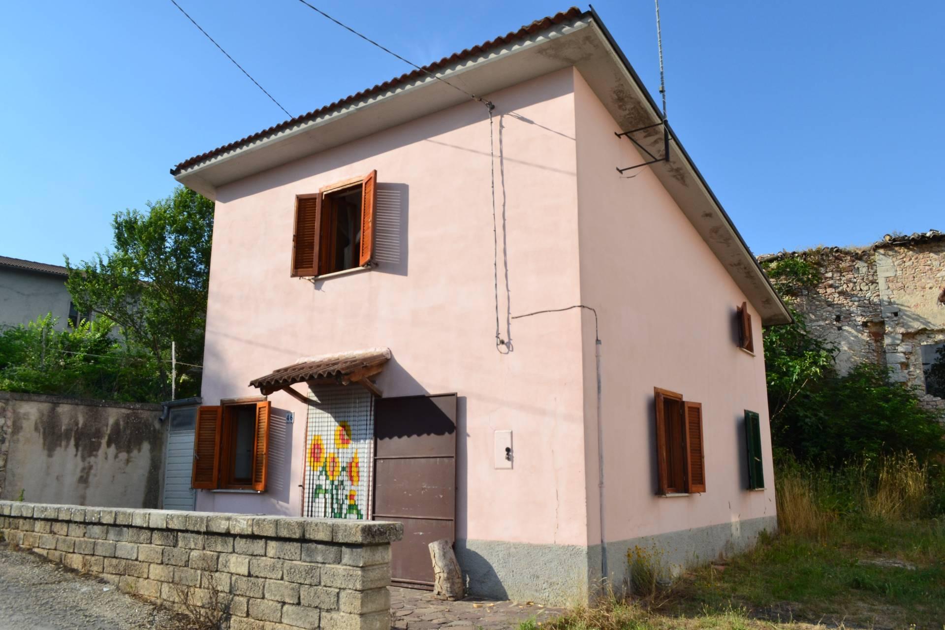 Soluzione Indipendente in vendita a Cascia, 3 locali, zona Località: PoggioPrimocaso, prezzo € 48.000 | Cambio Casa.it