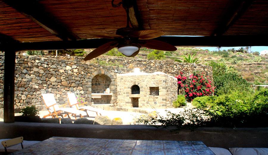 Villa in vendita a Pantelleria, 9 locali, prezzo € 860.000 | CambioCasa.it