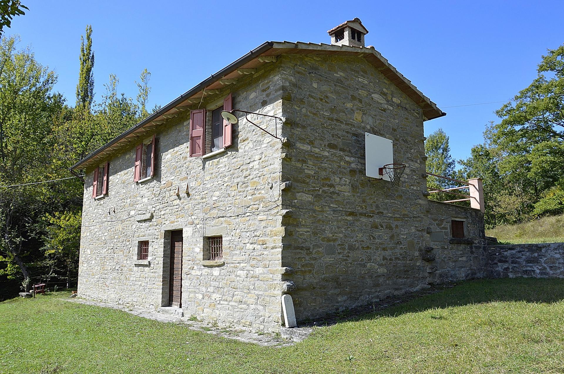 Rustico / Casale in vendita a Gubbio, 5 locali, prezzo € 115.000 | Cambio Casa.it