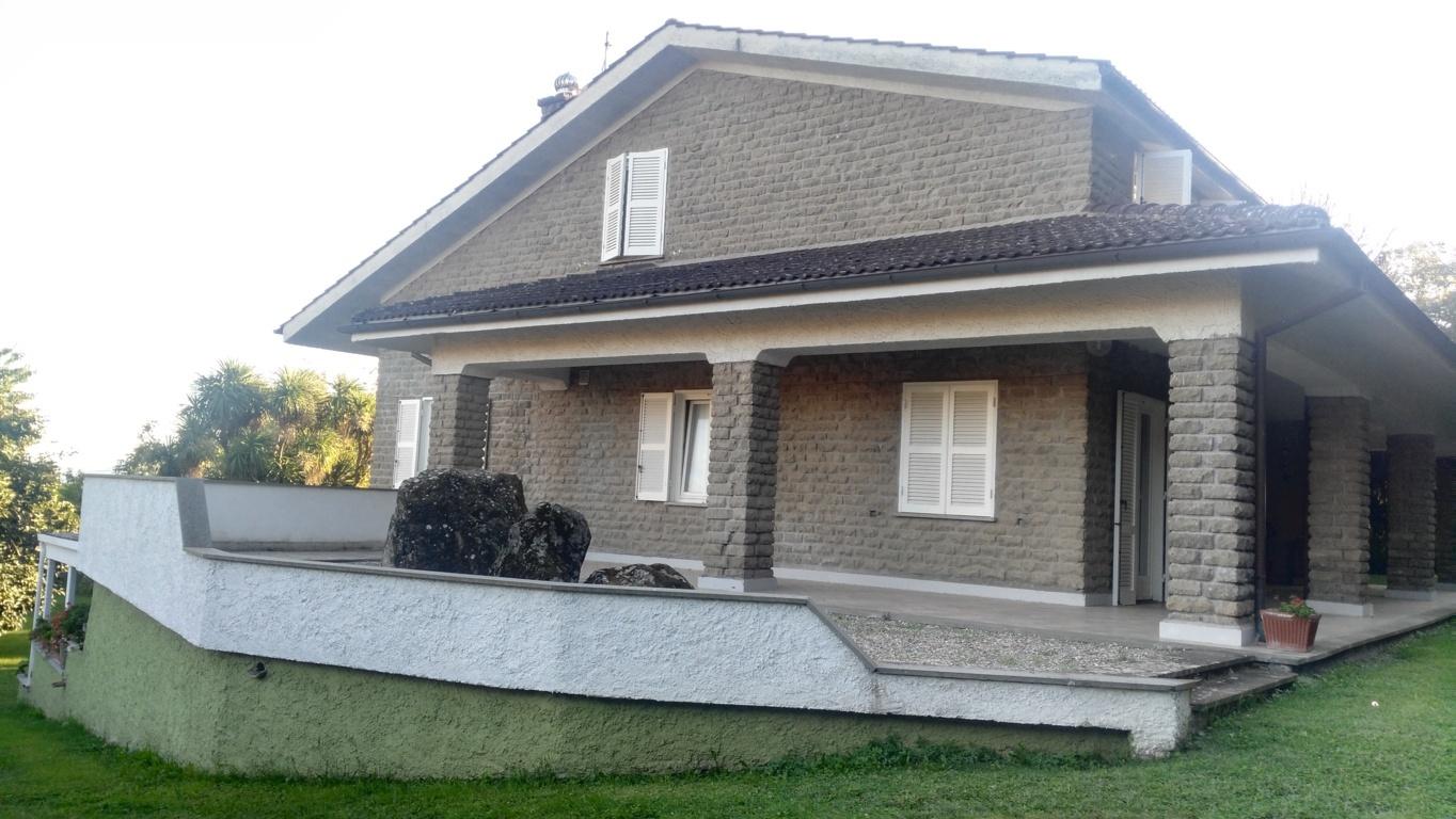 Villa in Vendita a Ronciglione