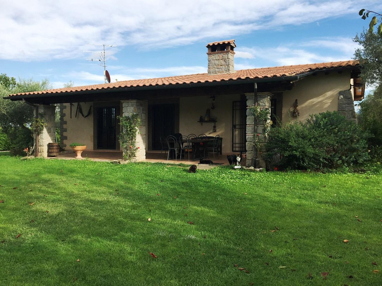 Villa in vendita a Viterbo, 5 locali, prezzo € 435.000 | Cambio Casa.it