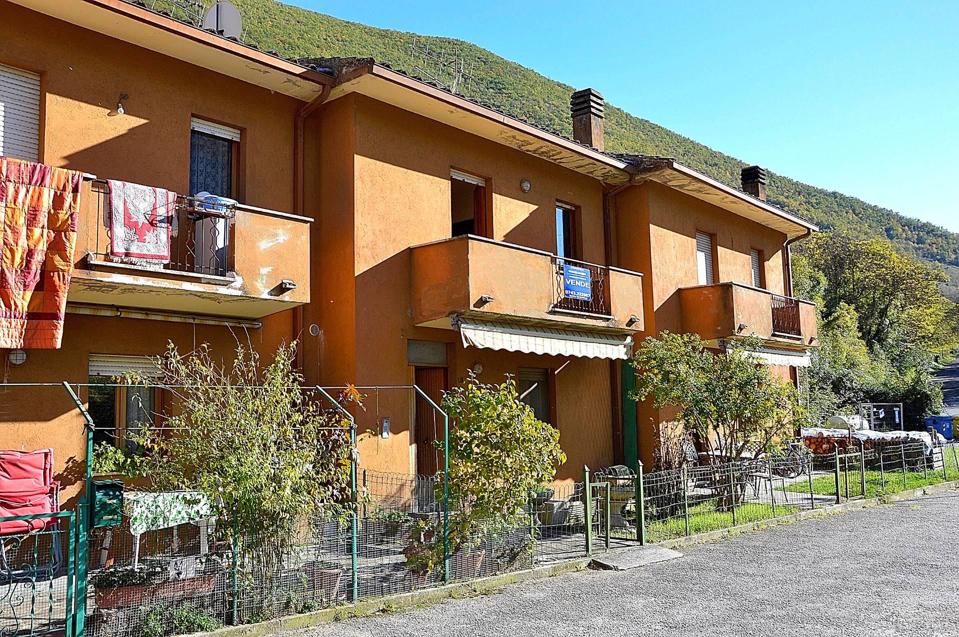 Villa a Schiera in Vendita a Cerreto di Spoleto