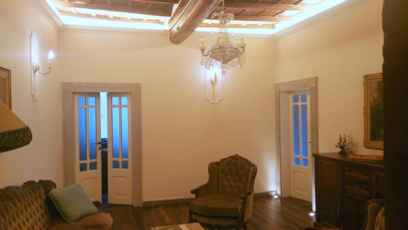 Appartamento in vendita a Viterbo, 3 locali, zona Zona: Centro, prezzo € 129.000 | Cambio Casa.it