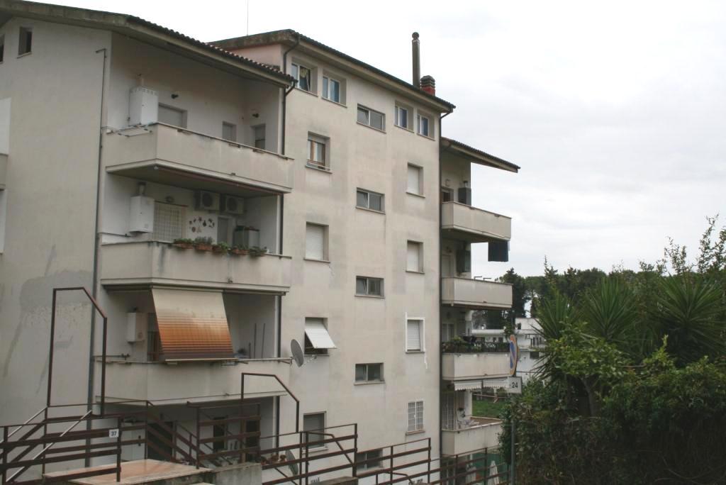 Bilocale Mentana Via Menotti Garibaldi 10