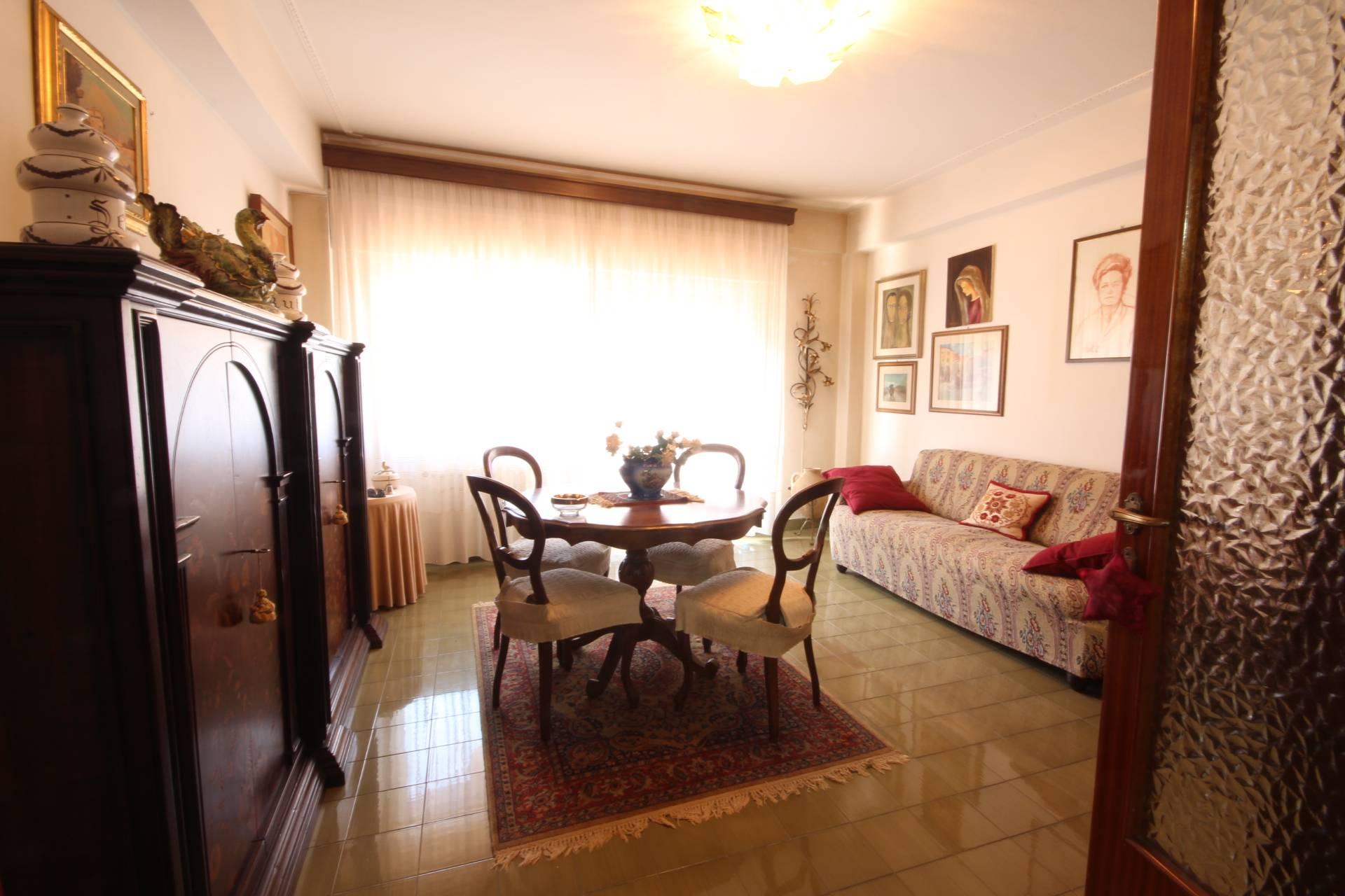 Appartamento in vendita a Orbetello, 5 locali, zona Località: Centrostorico, prezzo € 260.000   Cambio Casa.it
