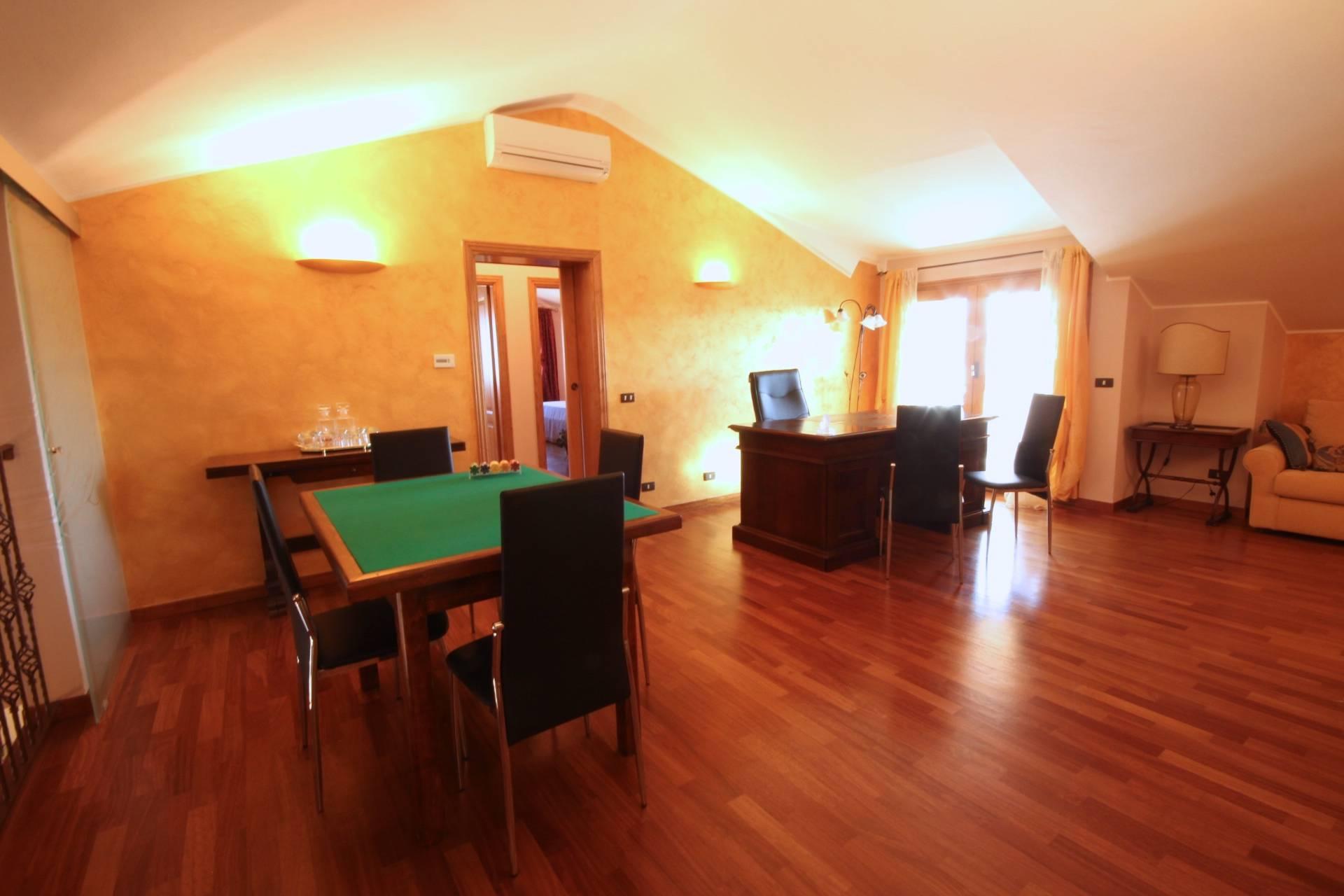 Appartamento in vendita a Orbetello, 5 locali, zona Zona: Albinia, prezzo € 230.000   Cambio Casa.it