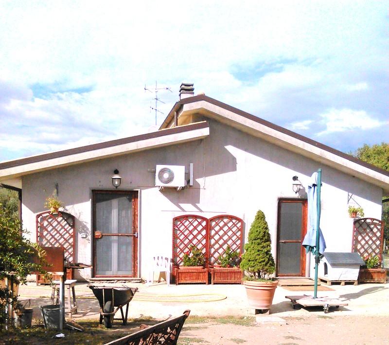 Soluzione Indipendente in vendita a Soriano nel Cimino, 2 locali, prezzo € 125.000 | Cambio Casa.it