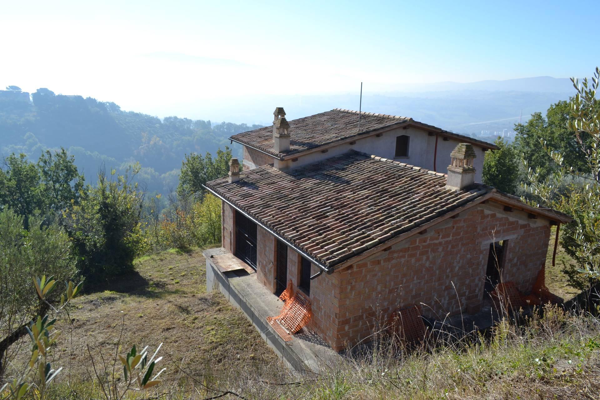 Rustico / Casale in Vendita a Gualdo Cattaneo