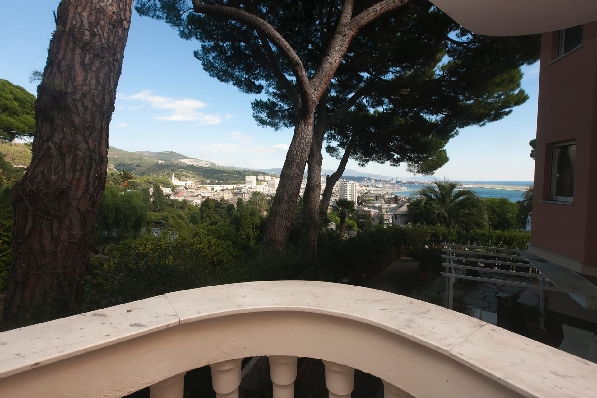 Villa in vendita a Genova, 5 locali, zona Località: Pegli, Trattative riservate | CambioCasa.it