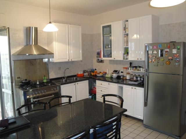 Appartamento in vendita a Fabrica di Roma, 4 locali, zona Località: centrale, prezzo € 159.000 | Cambio Casa.it