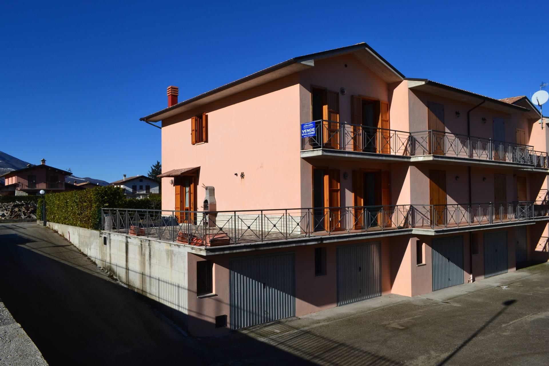 Villa a Schiera in vendita a Leonessa, 5 locali, zona Località: Leonessa, prezzo € 190.000 | Cambio Casa.it