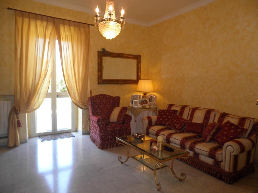 Villa in vendita a Gaeta, 4 locali, zona Località: CatenaFlacca, prezzo € 450.000 | CambioCasa.it