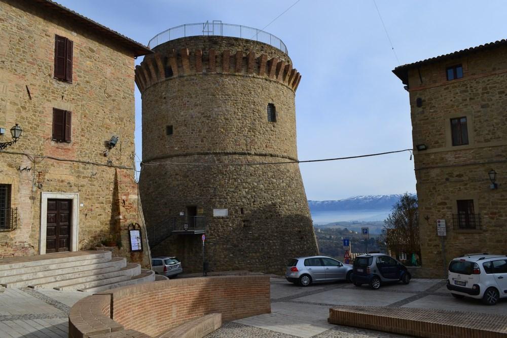 Appartamento in vendita a Gualdo Cattaneo, 3 locali, prezzo € 55.000 | Cambio Casa.it