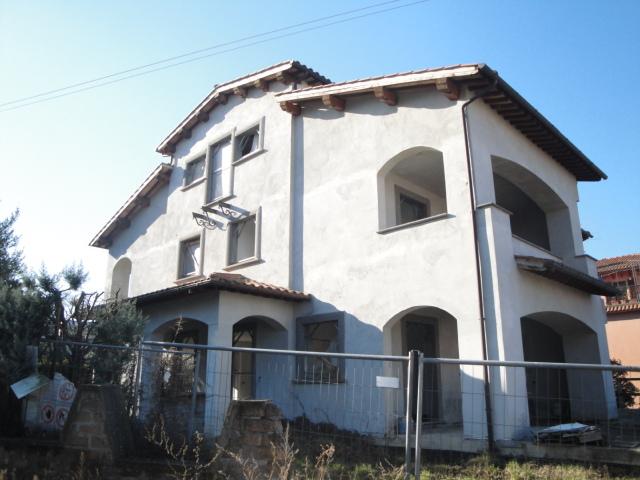 Soluzione Indipendente in vendita a Viterbo, 8 locali, zona Zona: Bagnaia, prezzo € 315.000 | CambioCasa.it