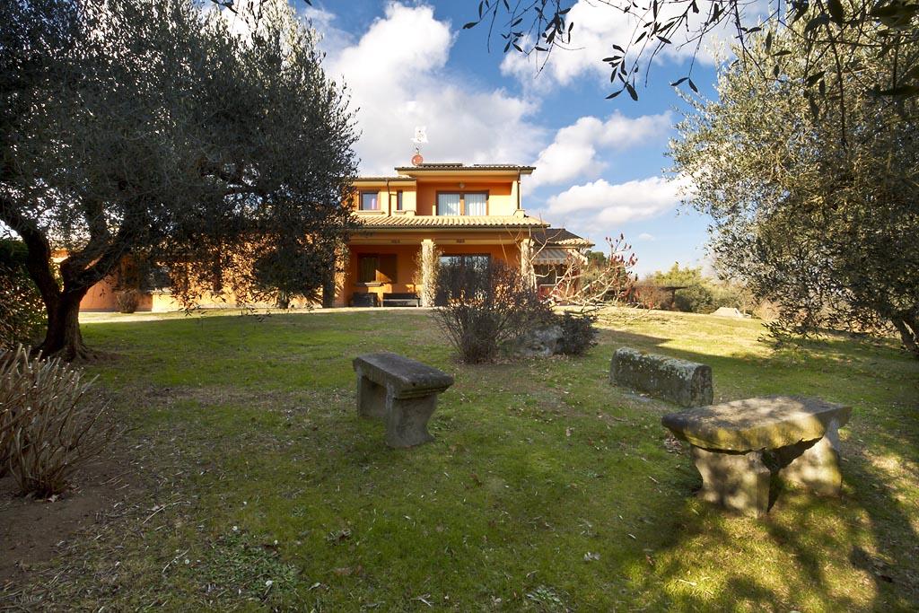 Villa in vendita a Celleno, 10 locali, prezzo € 359.000 | CambioCasa.it