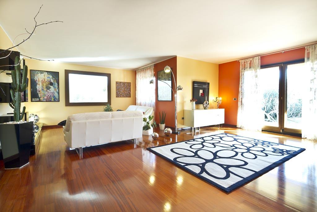Villa in vendita a Celleno, 10 locali, prezzo € 298.000 | CambioCasa.it