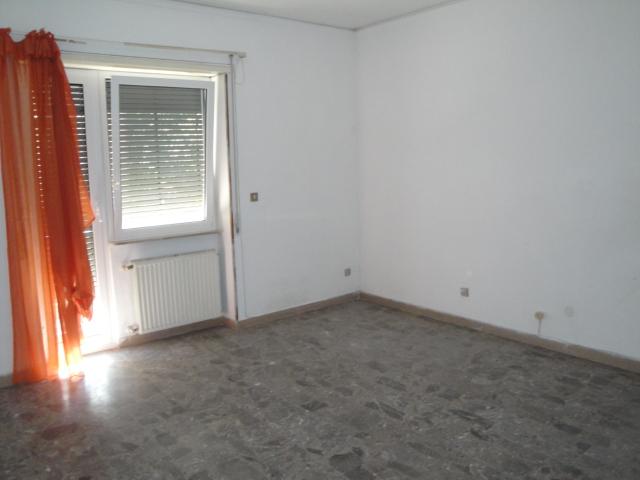 Appartamento in vendita a Viterbo, 5 locali, zona Zona: Bagnaia, prezzo € 135.000 | CambioCasa.it