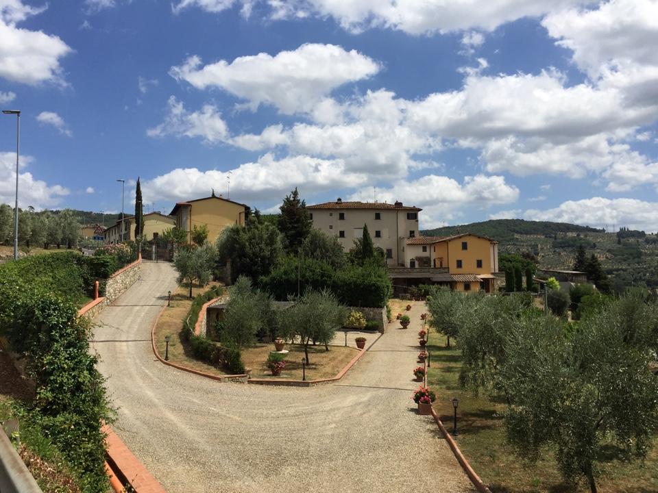 Palazzo / Stabile in vendita a Bagno a Ripoli, 45 locali, zona Località: OsteriaNuova, prezzo € 1.550.000 | CambioCasa.it