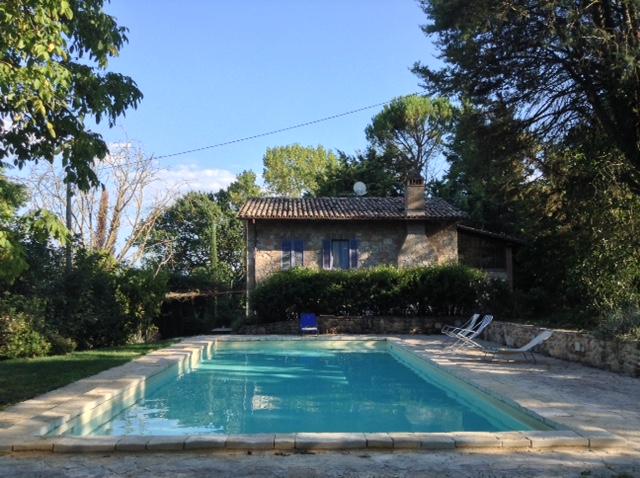 Rustico / Casale in vendita a Massa Martana, 6 locali, prezzo € 420.000   CambioCasa.it