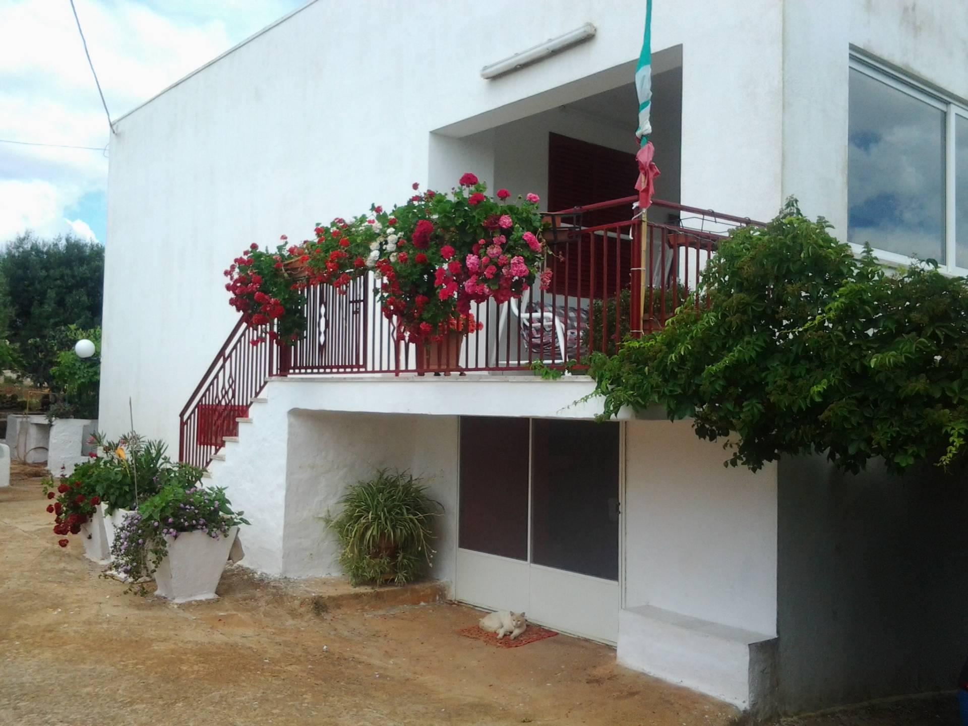 Villa in vendita a Ostuni, 5 locali, prezzo € 120.000 | CambioCasa.it