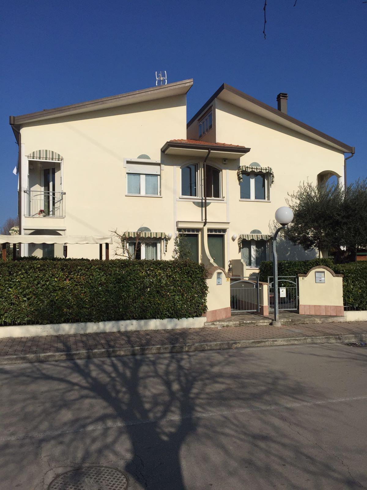 Villa in affitto a Misano Adriatico, 5 locali, Trattative riservate | CambioCasa.it