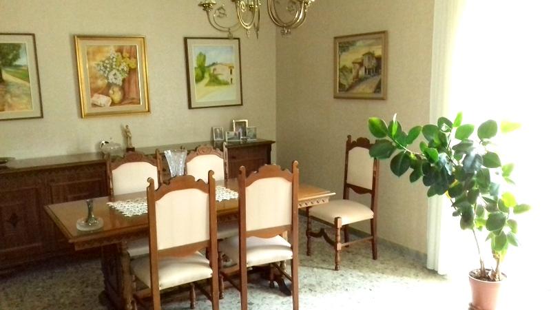 Appartamento in vendita a Montefiascone, 5 locali, prezzo € 140.000 | CambioCasa.it